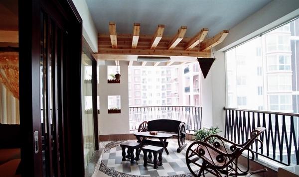中式封闭式阳台装修效果图